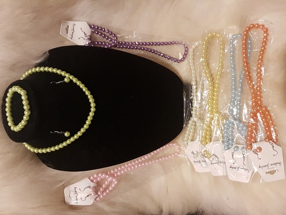 Fashsion pearl necklace set
