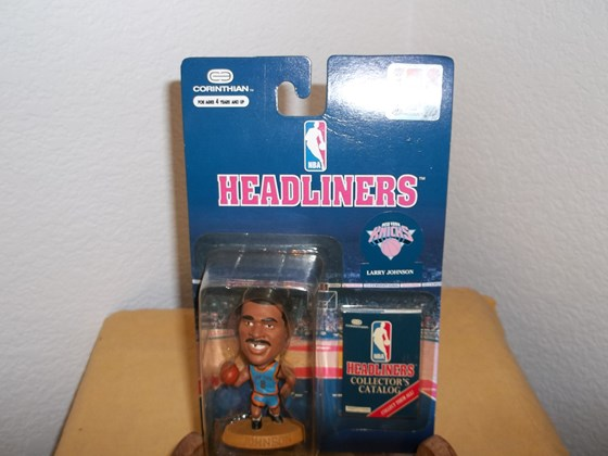 NBA HEADLINER- NEW YORK KNICKS ACTION FIGURE - LARRY JOHNSON
