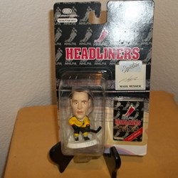 NHL HEADLINER ACTION FIGURE MARK MESSIER