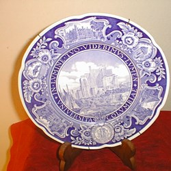 ANTIQUE COMMEMORATIVE WEDGWOOD PLATE OLD NEW YORK 1939 WORLDS FAIR